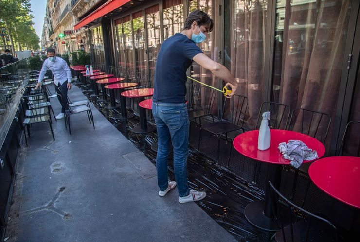 Paris cafes, restaurants partially reopen post-lockdown