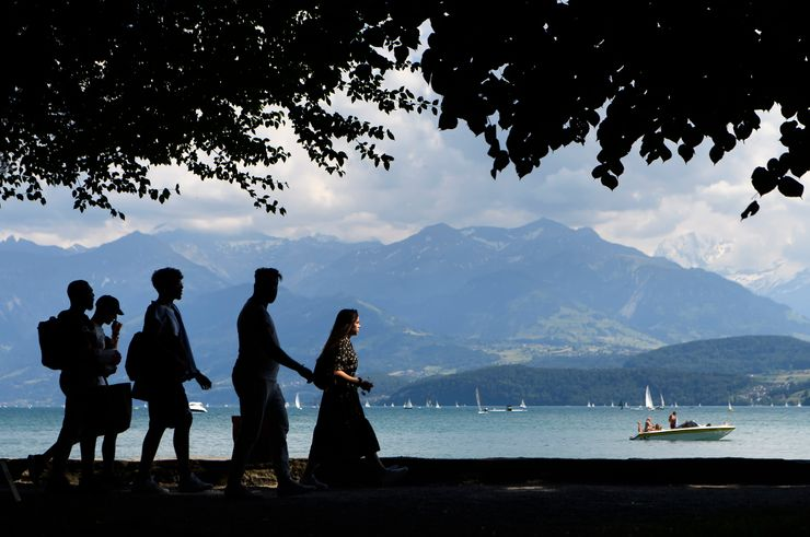 Going green: Swiss officials must take trains for some trips