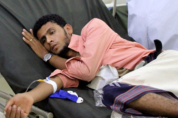 UN forced to cut aid to Yemen, even as virus increases need
