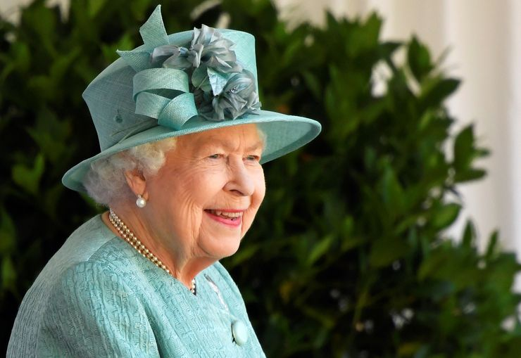 Queen Elizabeth's birthday marked with smaller ceremony