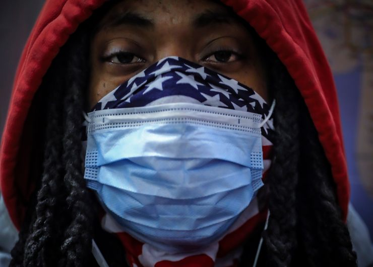 Senators urge anti-bias police training over mask fears