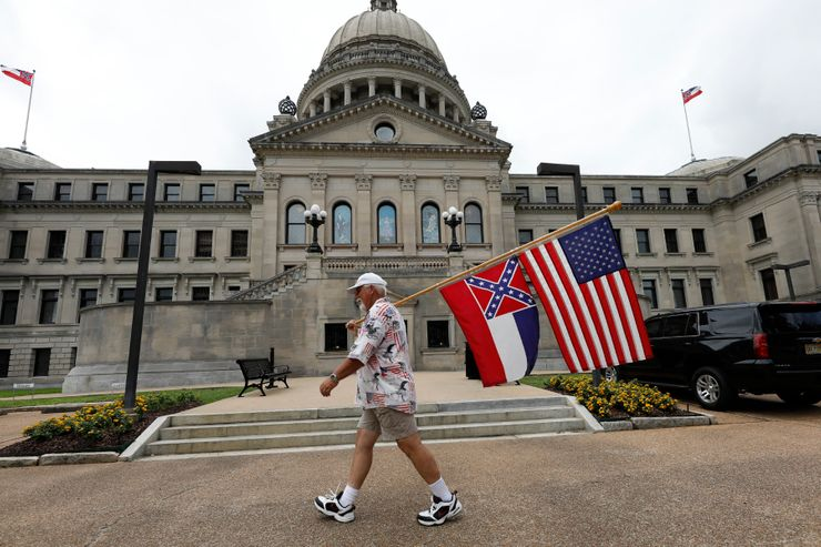 Mississippi takes step toward dropping rebel image from flag
