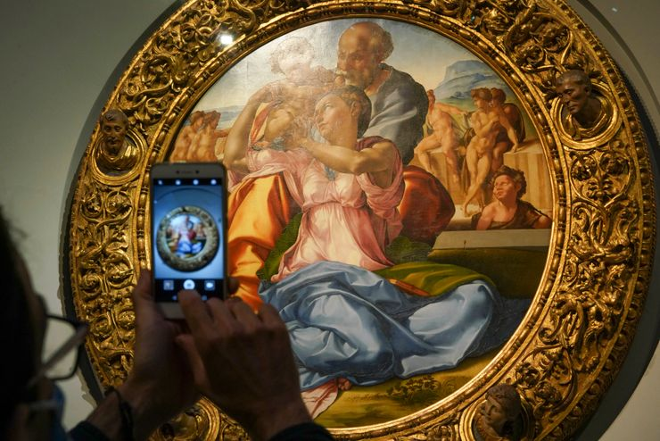 No crowds delight art lovers in Italy at reopened museums