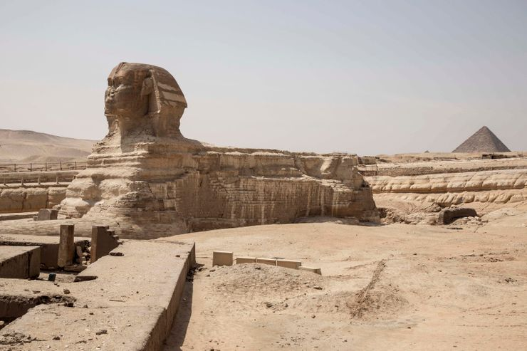 AP PHOTOS: Virus threatening Egypt's fragile economy