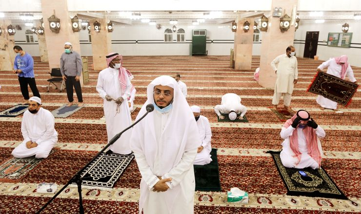Mosques reopen in Saudi Arabia and Jerusalem amid virus woes