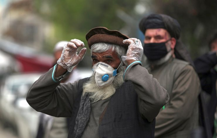 Group: Lack of virus tests pushes Afghanistan toward crisis