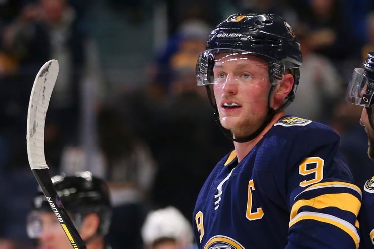 Eichel let's loose: Sabres captain `fed up' with losing