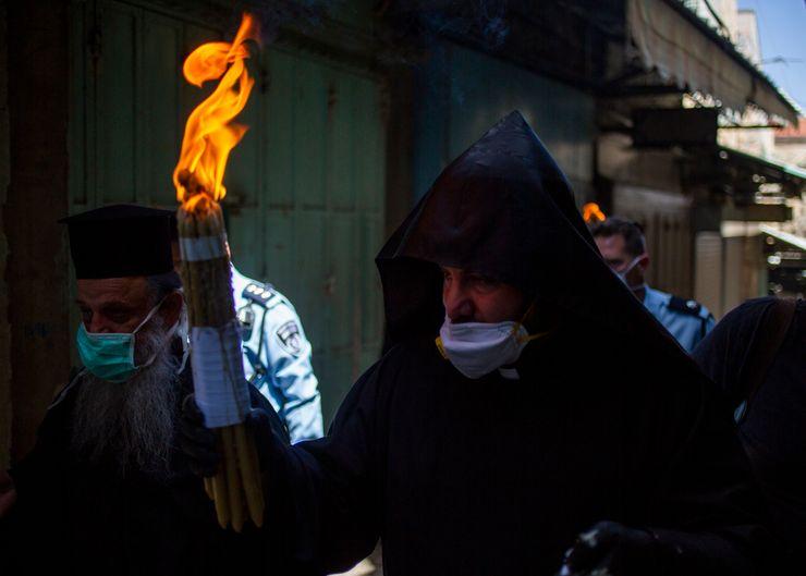Eastern Christians mark Easter in shuttered Jerusalem church