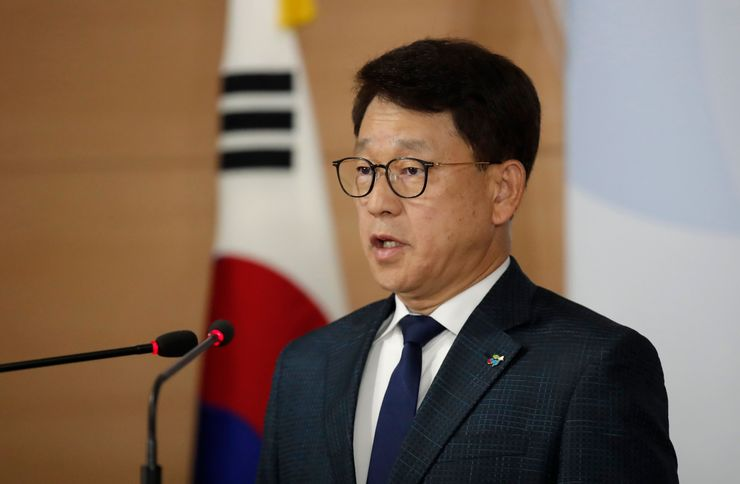 South Korea to charge defector groups over North leaflets