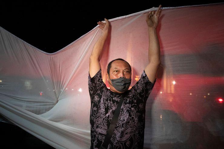 Thais defy warnings to mark anniversary of 1932 revolution