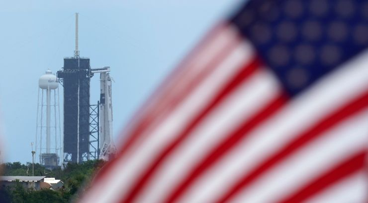 SpaceX rocket ship lifts off with 2 Americans
