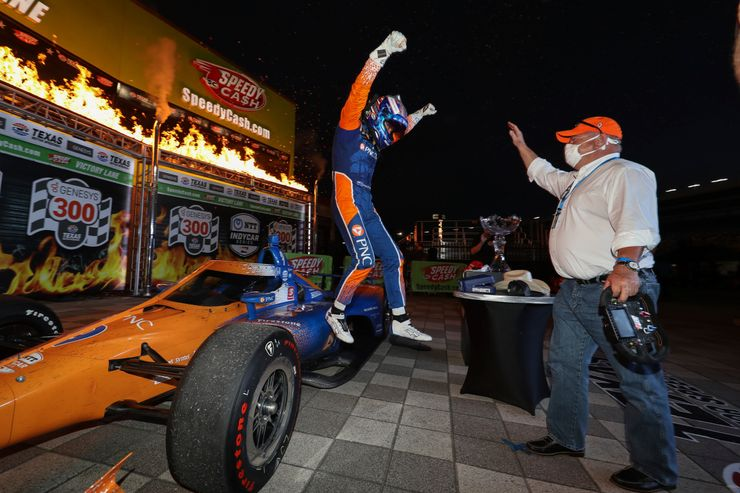 IndyCar gets through well-screened, delayed opener in Texas