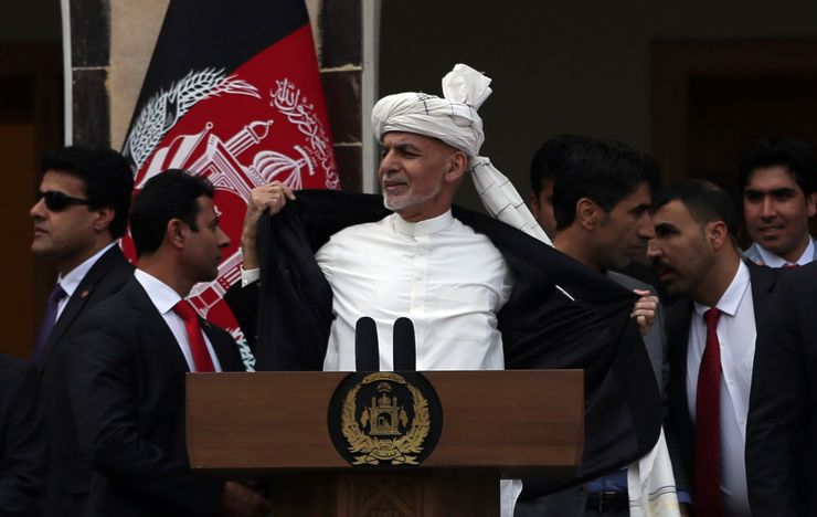 Afghan officials: Taliban attacks on checkpoints kill 29