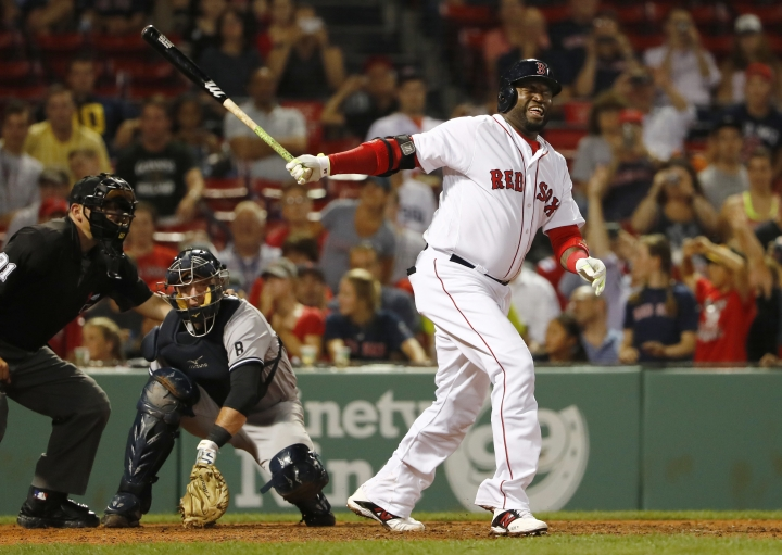 David Ortiz limps off after fouling ball off right shin