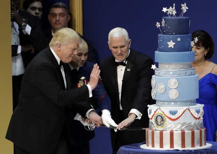 Tale of 2 cakes: Trump's inaugural treat mirrors Obama's