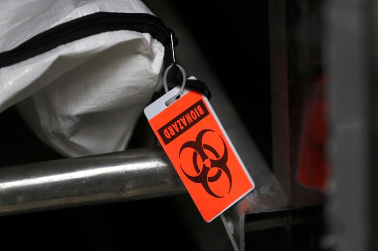 Experts say US coronavirus death count is flawed, but close