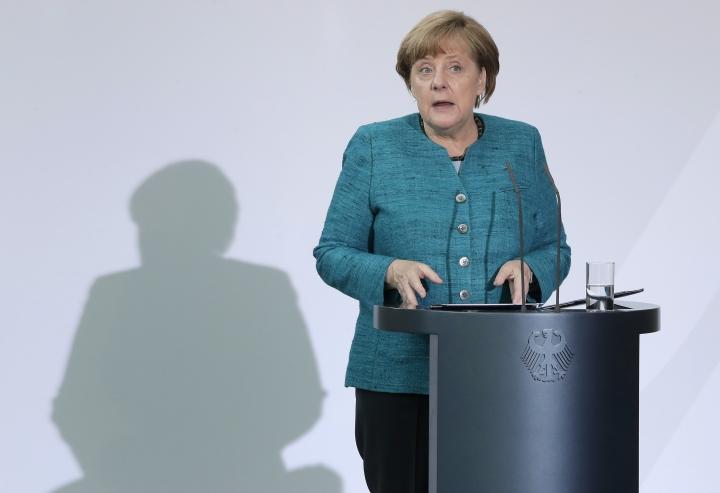 Merkel: Brexit like negotiating a trade accord backward