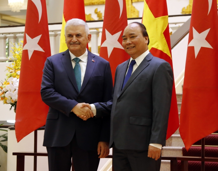 Turkey and Vietnam look to double trade, deepen defense ties