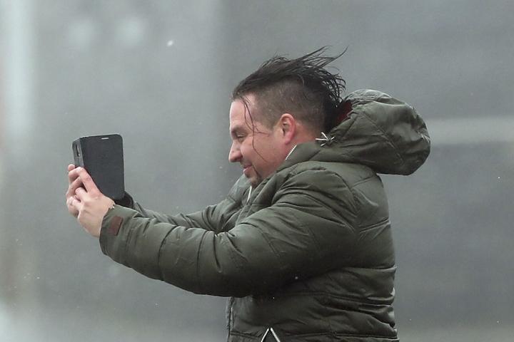 Hurricane Ophelia's remnants batter UK, Ireland; 3 dead