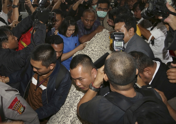 Disbelief as 'most wanted' Indonesia politician hospitalized