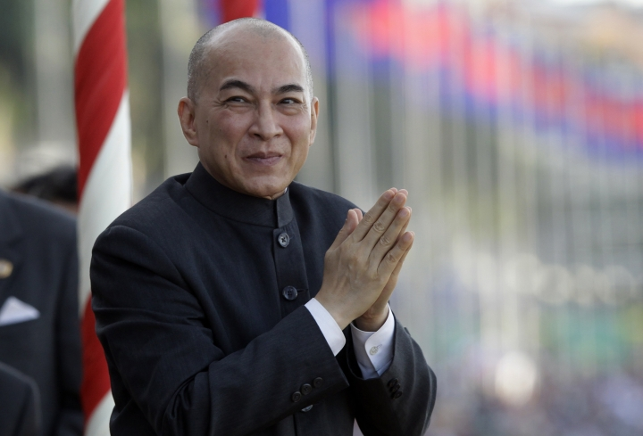 Cambodian Cabinet endorses amendment banning insulting king